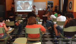 Entre maestros, en clase convencional