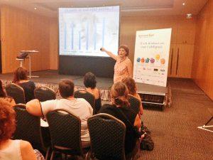 Heike Freire durante su taller de paciencia. Foto: Sapos y Princesas