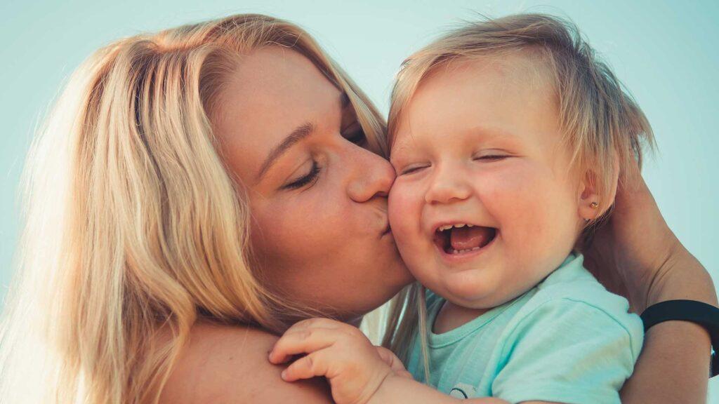 Como-comunicarnos-de-manera-efectiva-con-nuestros-hijos