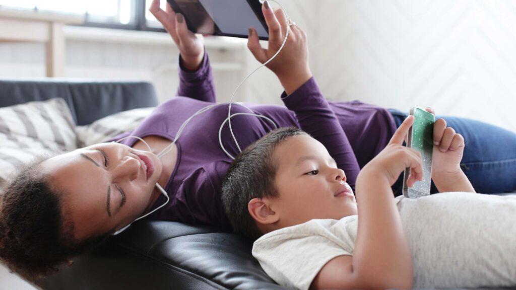 Las-tecnologias-en-la-vida-de-tus-hijos,-en-la-tuya
